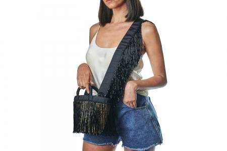 LA NUDA in Shiny Black with shoulder strap
