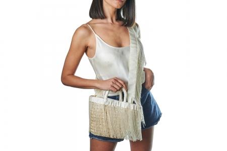 LA NUDA in Milk White with shoulder strap